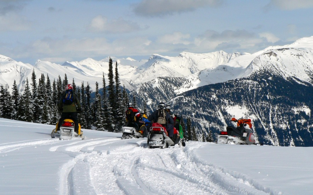 Snowmobile Valemount British Columbia Tour
