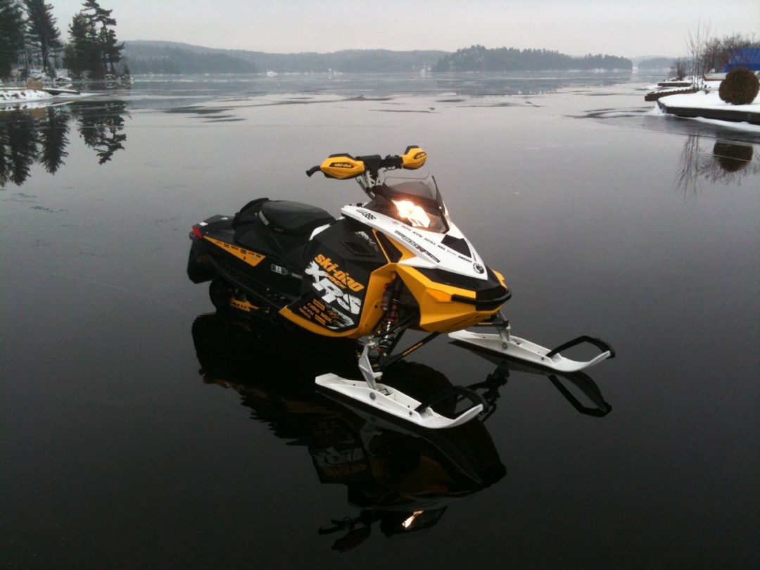 Advice For Snowmobiling Ice