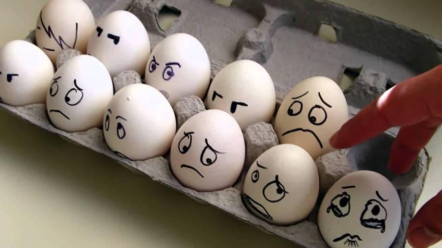грустные яйца