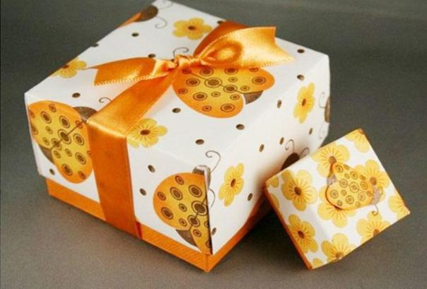 Mẫu in hộp quà tặng theo yêu cầu