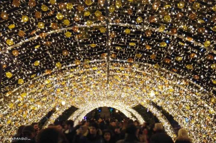Galleria di luci a Salerno