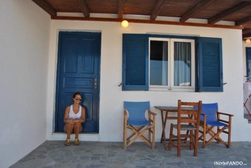 Casa di Koufunissi con i tipici colori delle isole greche