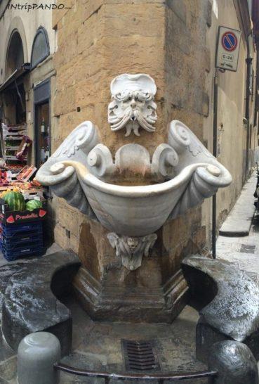 fontana dello Sprone a Firenze