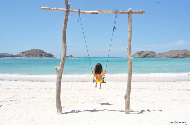 Altalena sulla spiaggia a Lombok