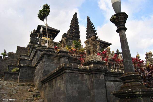 Tempio madre Besakih a Bali