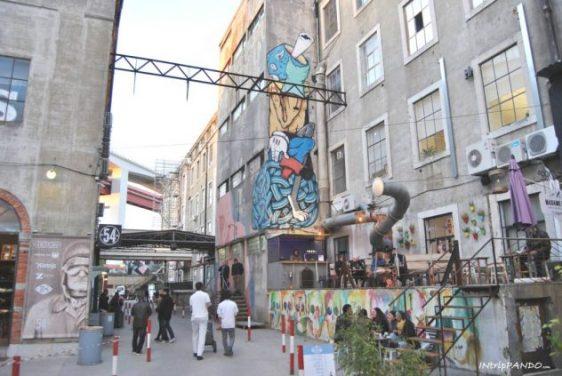 Street art alla LX-Factory di Lisbona