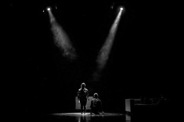 Uma Menina Está Perdida No Seu Século À Procura Do Pai - Theatro Circo, 16/09/2017