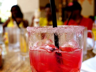 alcohol-cocktail-cosmo-cosmopolitan-drink-food-Favim.com-61313