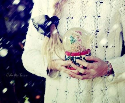 christmas-girl-magic-snow-Favim.com-1104545