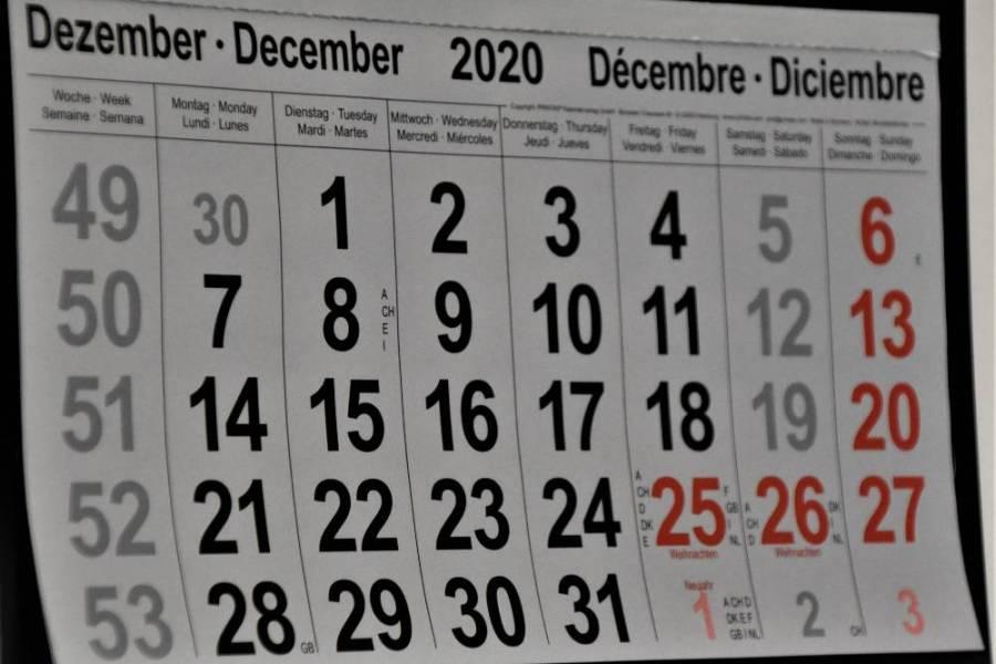 Calendarul de pe perete