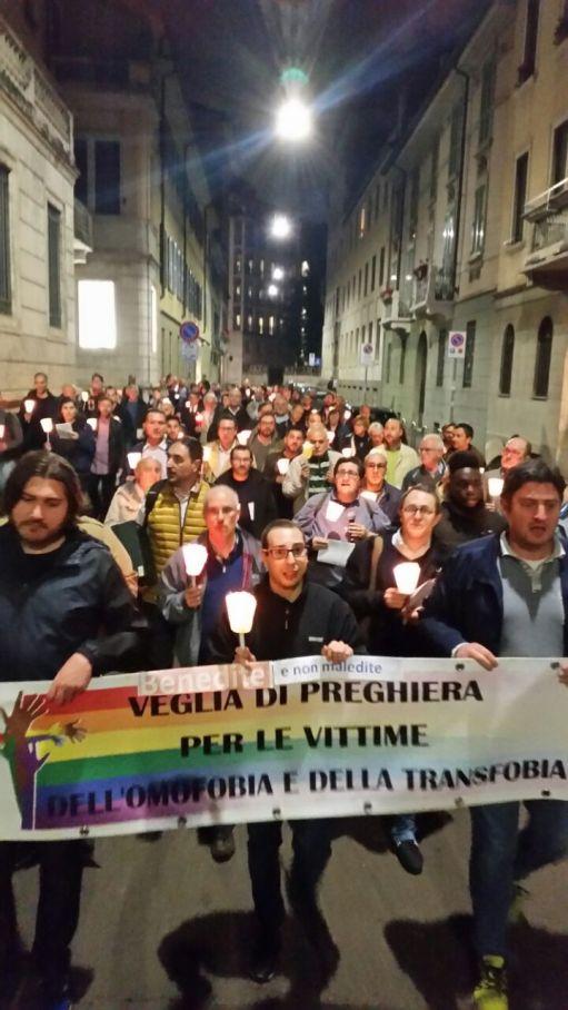 12 maggio 2017 a MILANO Veglia di preghiera e fiaccolata per le vittime di omofobia e transfobia