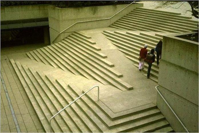 Les escaliers pensés pour aider les handicapés
