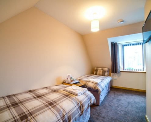 Twin room for bed and breakfast with ensuite facilities