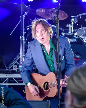 Justin Currie and The Pallbearers at the Northern Roots Festival 2017