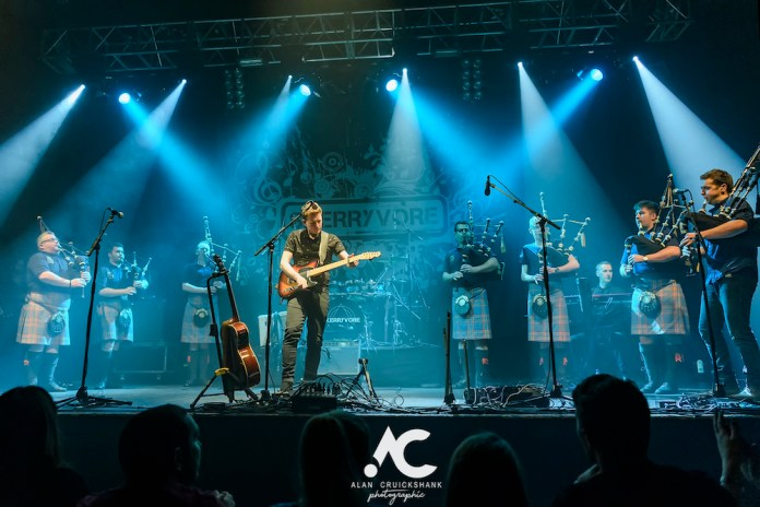 Skerryvore with City Of Inverness Pipe Band and Runrigs Iain Bayne December 2018 Ironworks Inverness November 2018 23 - Skerryvore, 7/12/2018 - Images