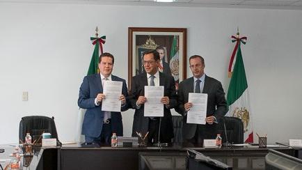 STPS FIRMA ACUERDO AEROMEXICO Y ASSA (6)