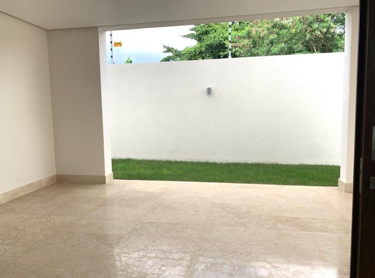 Valdepeña Residences, Casas de 4 Habitaciones en Santiago.