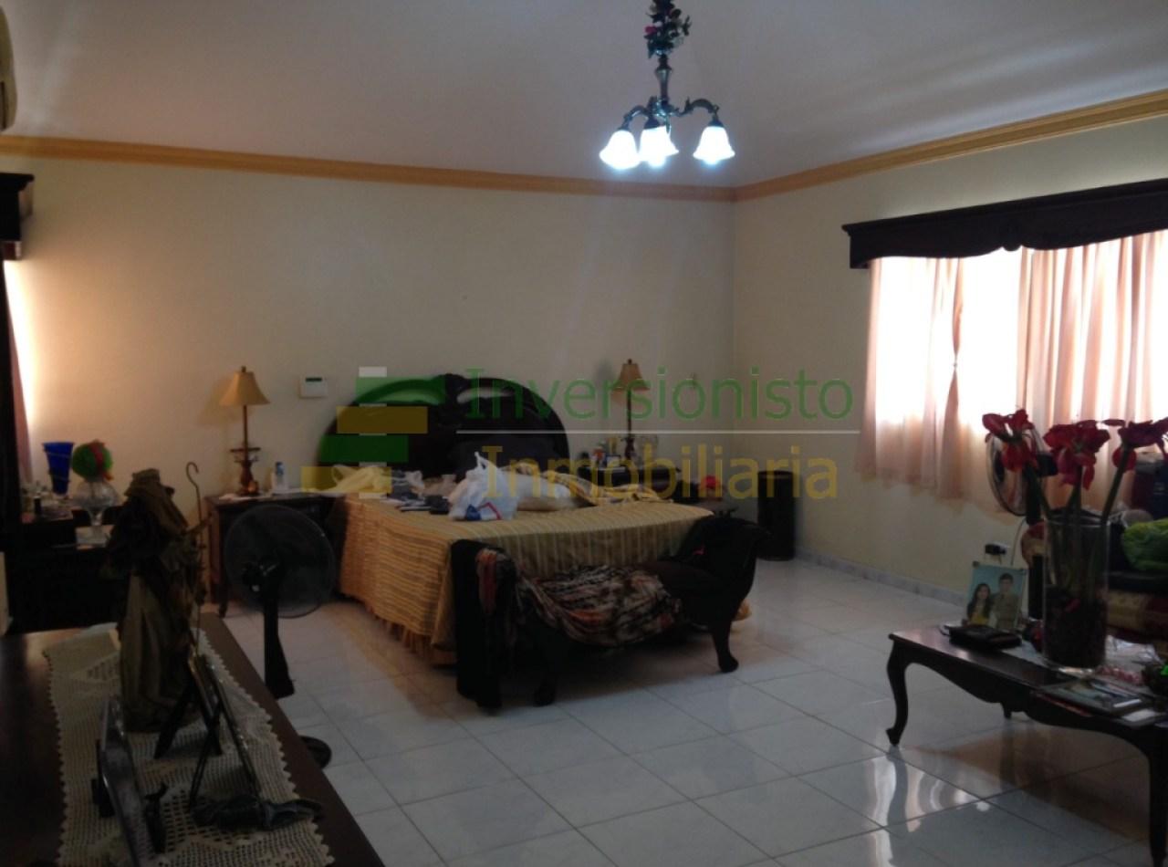 Casa con 4 Habitaciones cerca del Parque de Villa Olga