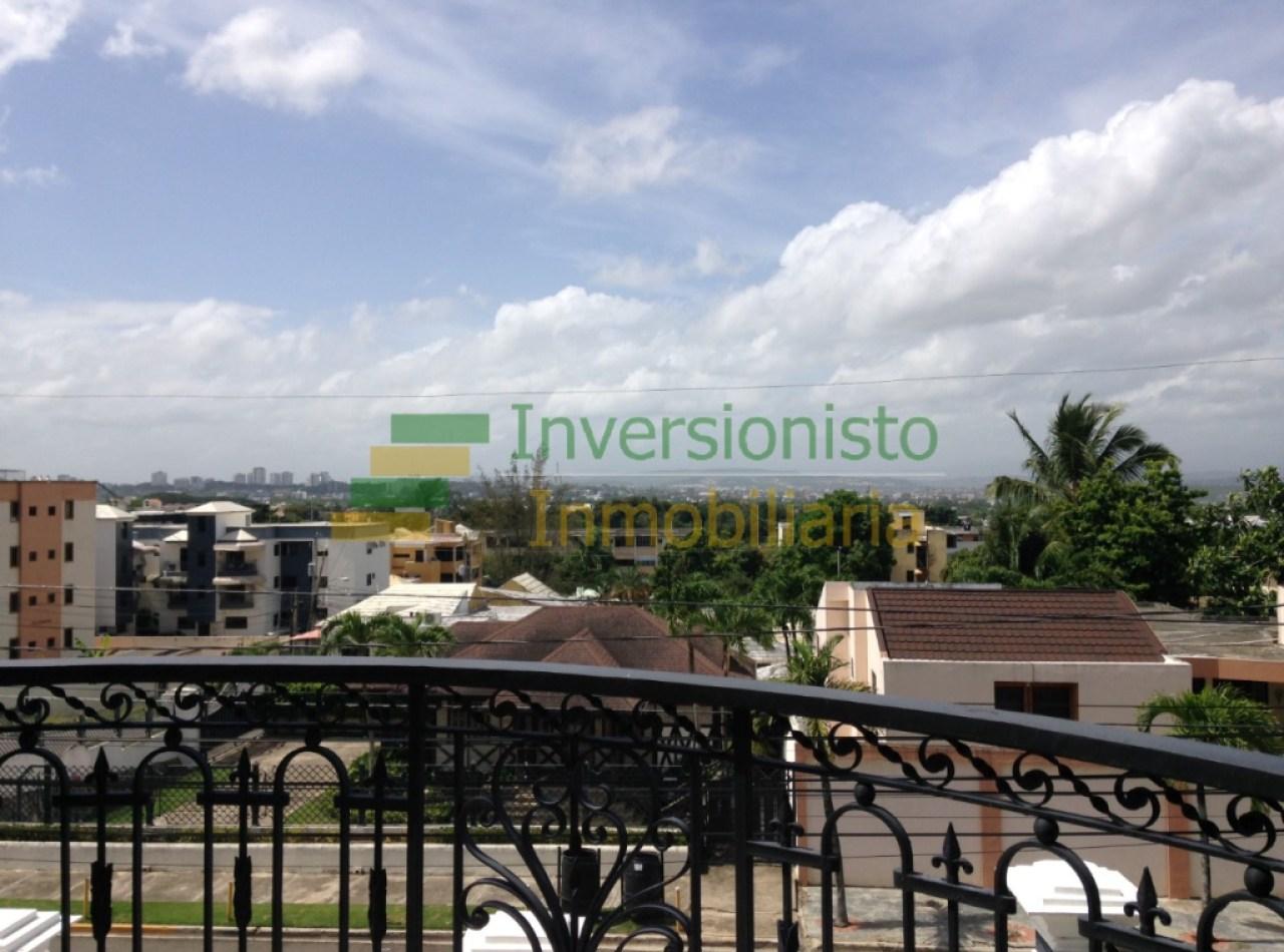 Lujosa Mansión en Urbanización de Cerro Alto en Santiago