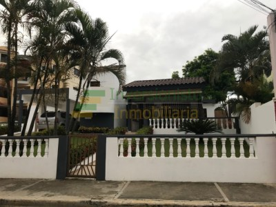 Casa en Calle Comercial con 500 Mts2 en Don Pedro