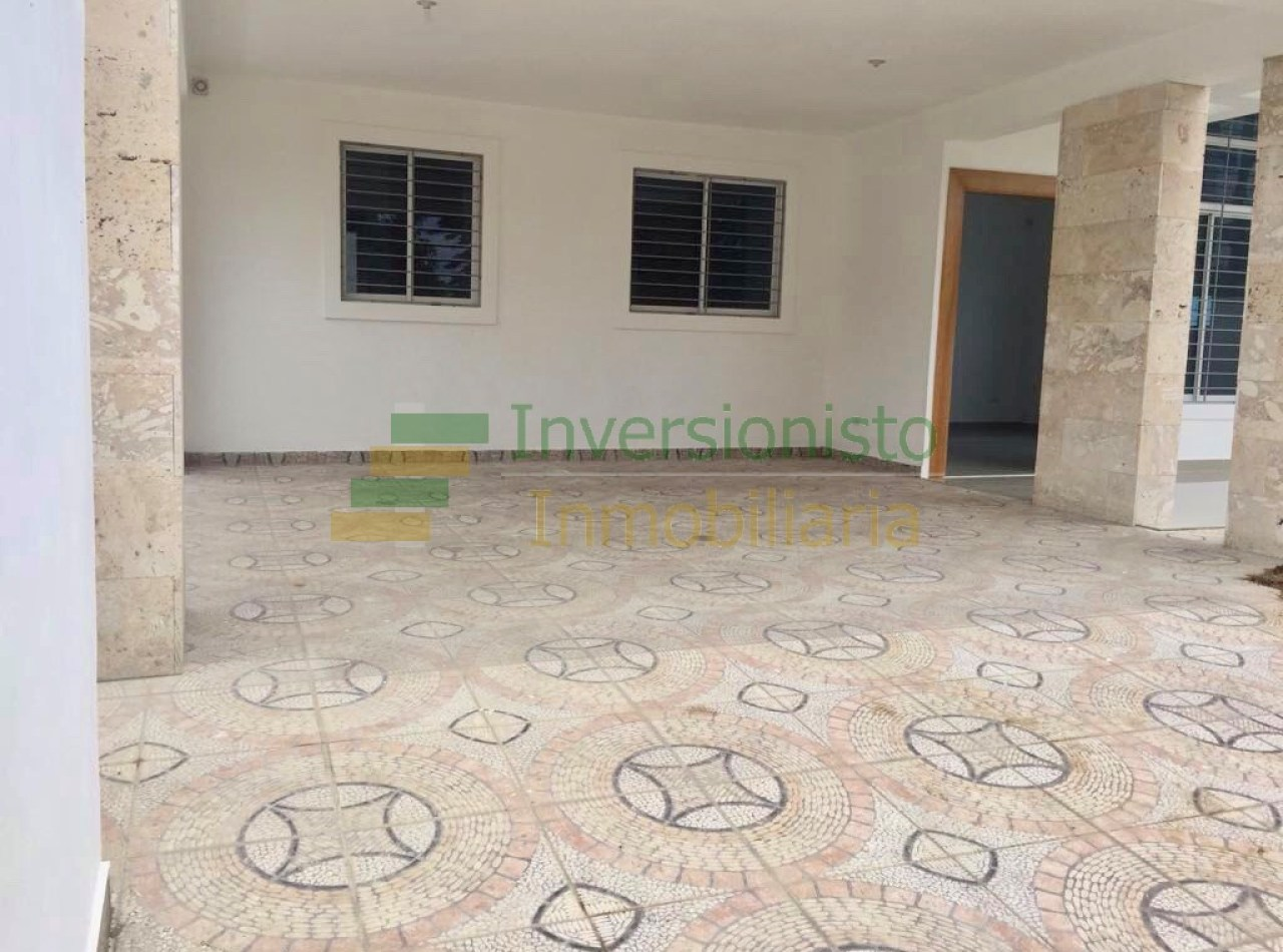 Casa Nueva Disponible en Complejo Cerrado en Gurabo
