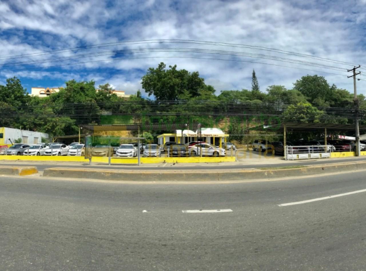 Local Comercial con 2,000 Mts2 en Ave. Estrella Sadhala, Santiago