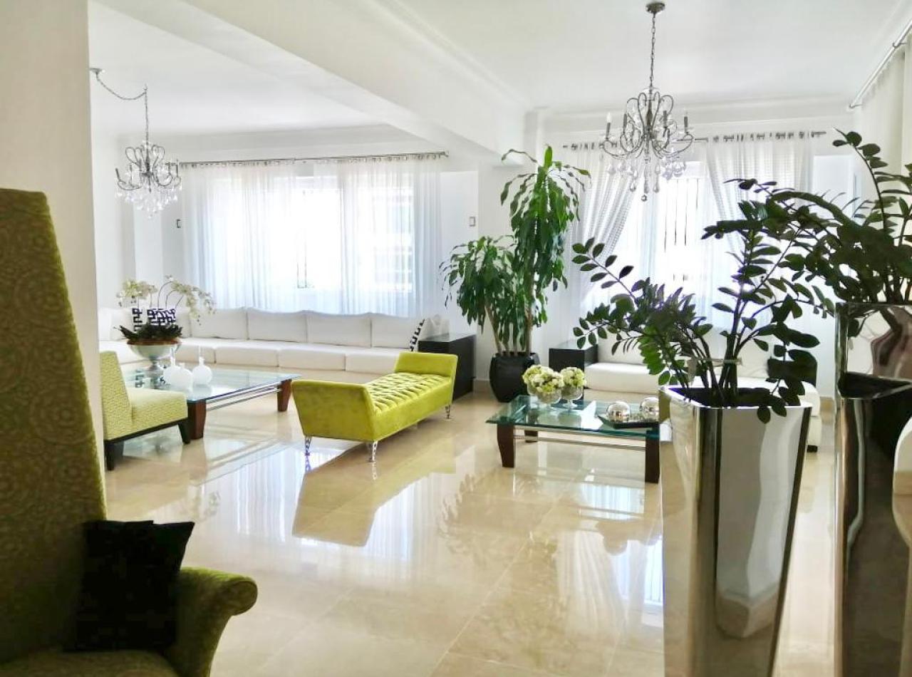 Lujoso Apartamento de 430 mts2 en Torre Valdepeña, Santiago