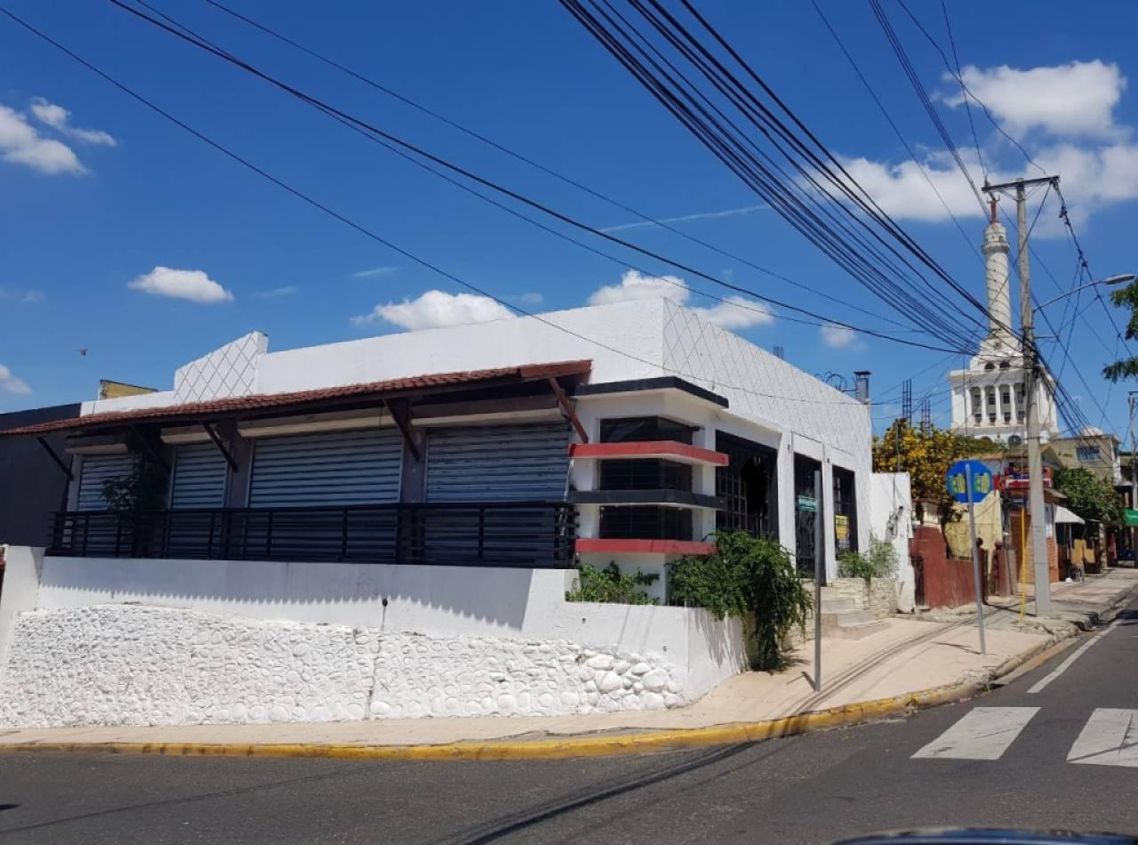 Local Comercial en Venta con 220 Mt2 en Ciudad de Santiago