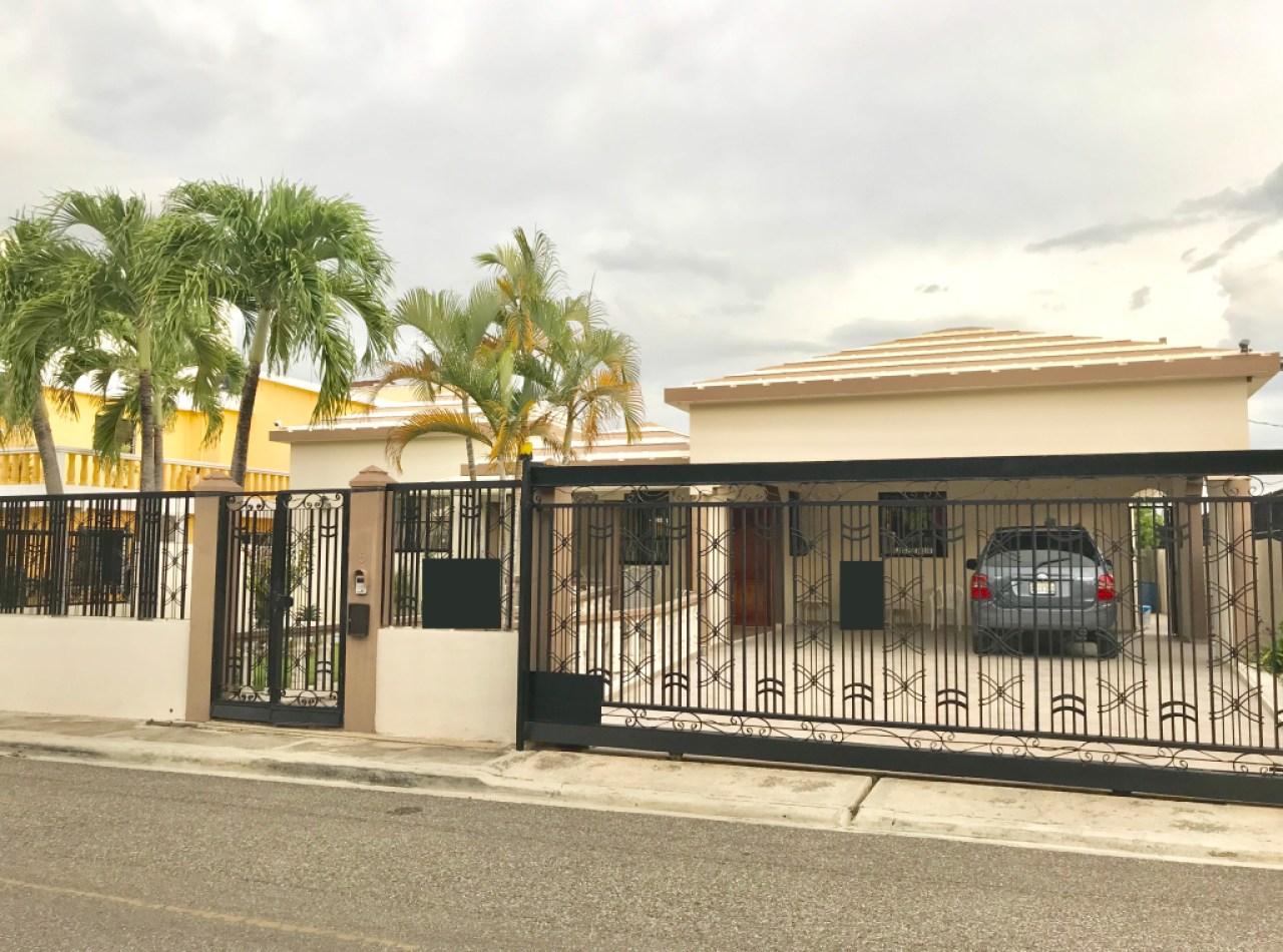 Casa Acogedora en el Dorado II con 3 Habitaciones, Santiago