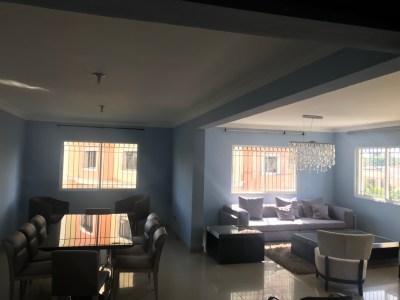 Espacioso Apartamento en la Rafael Vidal con 173 Mt2, Santiago