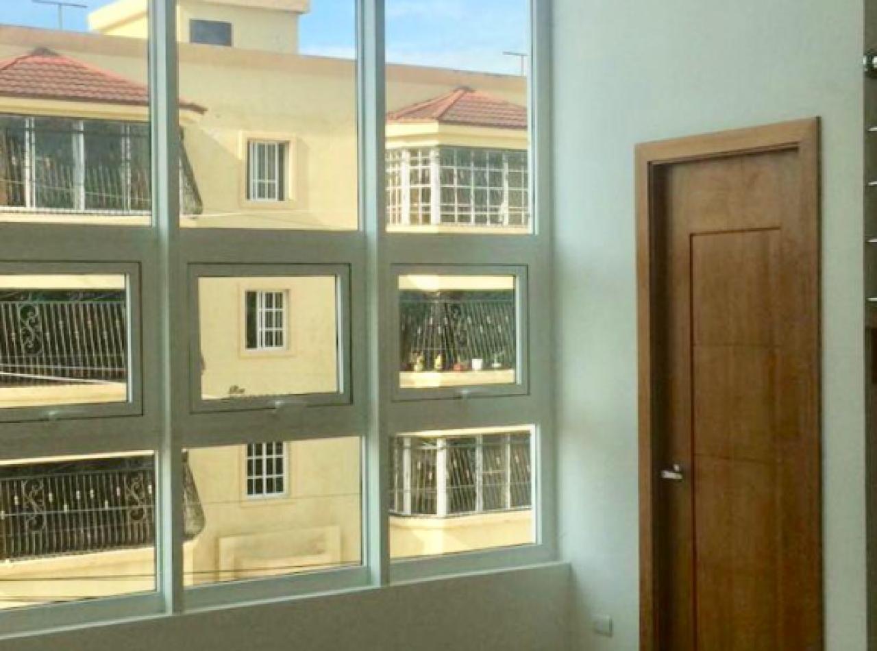 Lujoso Apartamento Penthouse en Residencial Rubí, Santiago