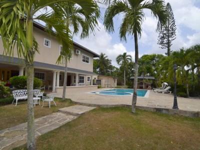 Mansion con Terreno Cultivable 19,400 Mts2 Monte de la Jagua