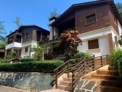 Hermosa Villa Doble Vintage en Complejo Privado, Jarabacoa, La Vega.