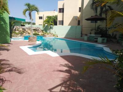 Precioso Apartamento con Piscina, 188 MT2, Gurabo