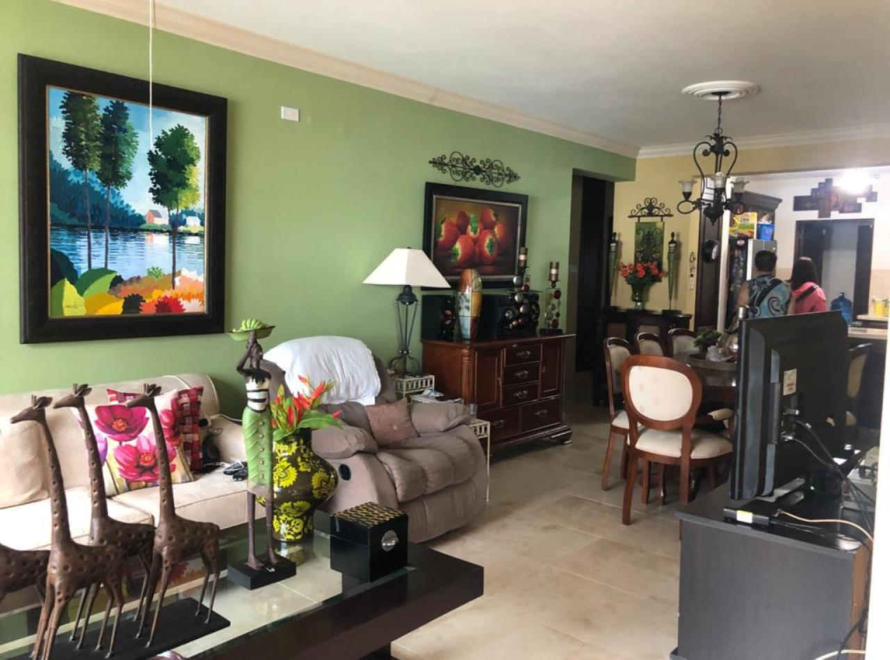 Acogedor Apartamento en 2do Nivel Disponible en Villa Olga, Santiago