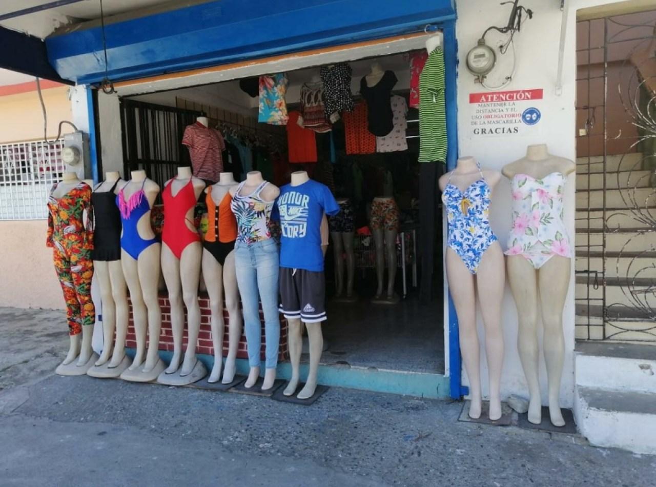 Casa Mas Local Comercial en Venta en Ave. 27 de Febrero, Santiago