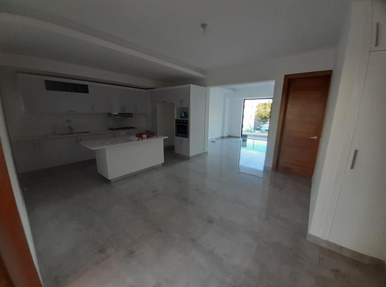 Hermosa Apartamento en Los Laureles, Santiago