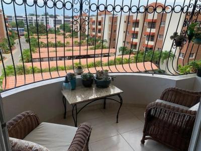 Apartamento Disponible, 4to Nivel en Buena Vista