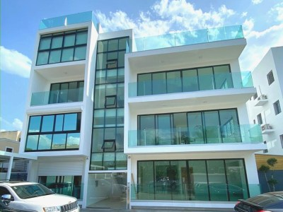 Laurel Condos, Apartamento Penthouse en Los Laureles