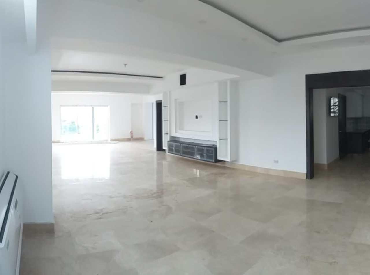 Hermoso, Amplio y Nuevo Apartamento en Alquiler
