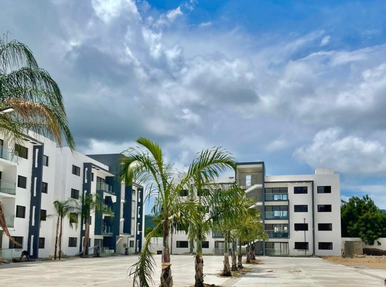Apartamento Recién Construido con Piscina, 3er Nivel, 115 Mts2 Gurabo