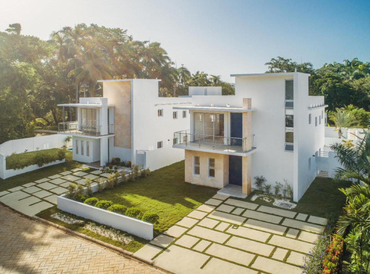 Villas con Piscina en Venta con Finas Terminaciones en Proyecto Privado