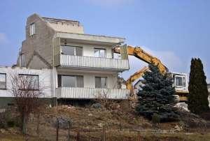 real estate investors go bankrupt