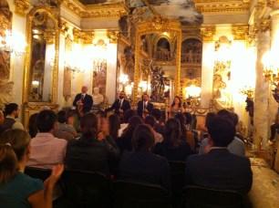 Interpretes del Cuarteto Quiroga escuchando la ovación final