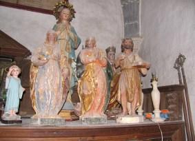 Vega del Bur, Palencia. Como esta sacristía, atestada de imágenes que esperan intervención, contamos cientos en nuestro país.