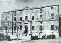 Vista del exterior del Palacio del Viso del Marqués en 1949.