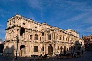 Vista actual del Ayuntamiento de Sevilla. Wikimedia Commons.