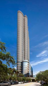 Brickell Flatiron Tower 1