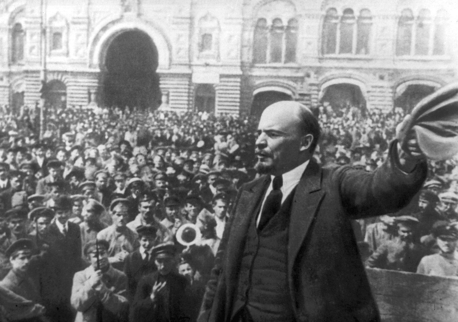 Alle bekymringer blev ødelagt efter oktoberrevolutionen