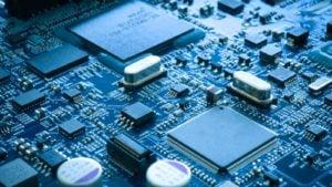 Scheda elettronica del primo piano.  concetto di stile tecnologico.  che rappresentano le scorte di semiconduttori